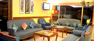 Mumbai Hotel, Lobby