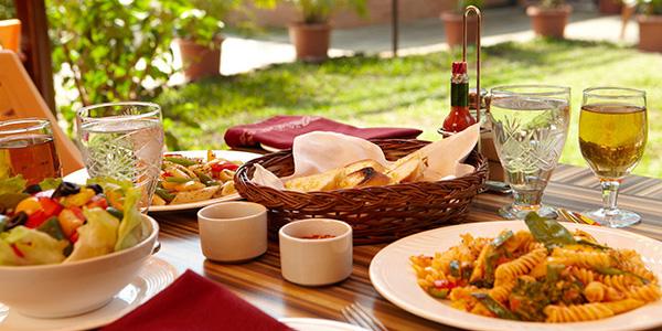 Green Garnet Restaurant